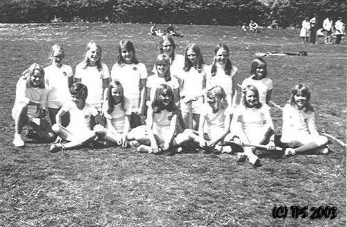 1974-landskamp-1-stikbold-foraar
